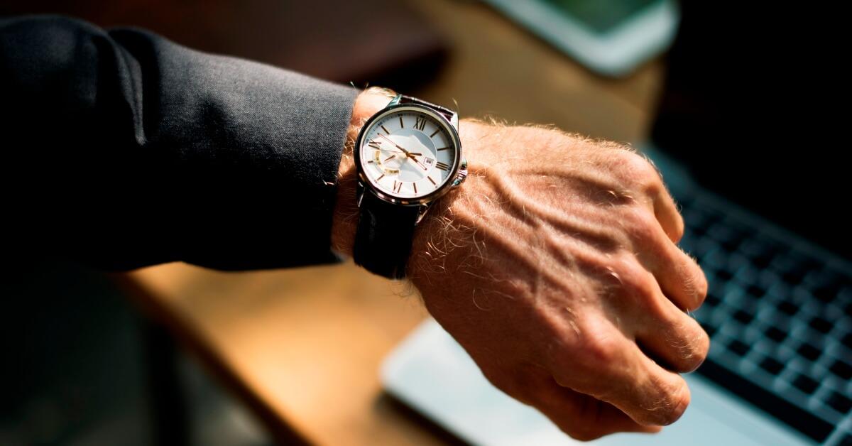 lookingatwatch_optimized